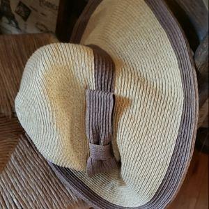 Home Prefer straw hat